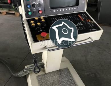 Универсально-фрезерный станок с ЧПУ KONDIA B-700